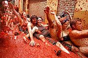 45.000 deltok i tomatkrig