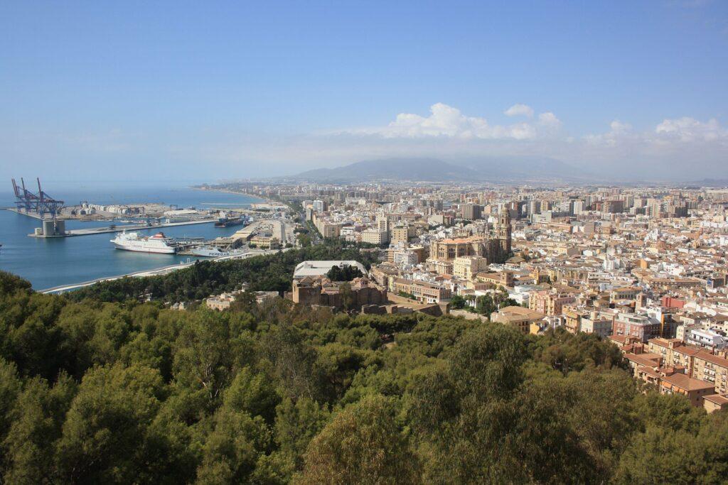 Malaga bys kombinasjon av strandferie og storby gjør den til en god investering med tanke på kjøp for utleie.