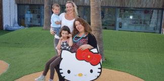 TRYGGHET: Tradisjonelle verdier står høyt i kurs for Linda Bøhn Silva med Leo (bak) og Therese Hermanrud med Chandra.