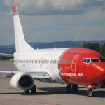 norwegian_air_shuttle_boeing_737-3y0_ln-kkrosl31.07.2008-524am_-_flickr_-_aero_icarus.jpg
