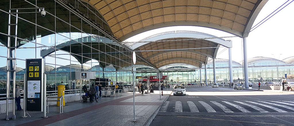 Alicante Flyplass Alc Guide Og Info Om Transport Leiebil Taxi