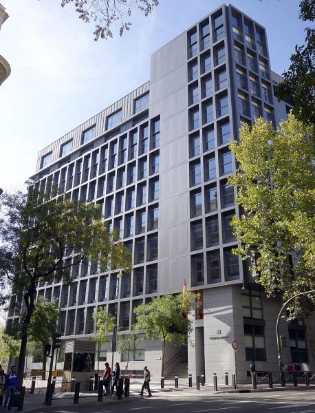 Foto: Dommen fra Spanias nasjonale domstol (Audiencia Nacional) kritiseres for å gå på akkord med ytringsfriheten. Bilder viser domstolens hovedsete i Madrid.