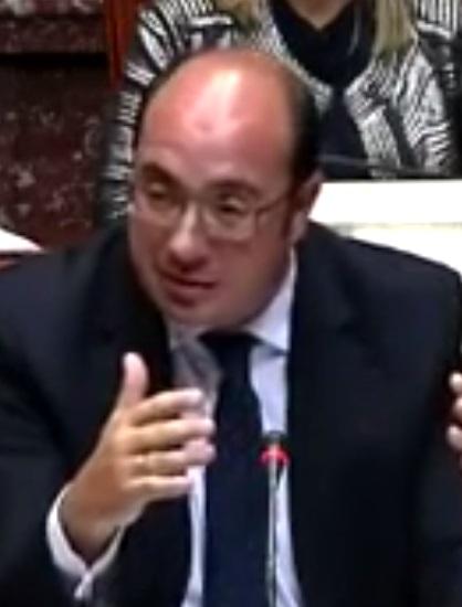Foto: Pedro Antonio Sánchez (PP). Opposisjonspartiene i Murcia-parlamentet hadde satt frem mistillitsforslag til regionspresidenten før han trakk seg.