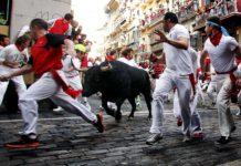 """I Paplona kan du løpe med oksene. Men det finnes også langt mer """"vennlige"""" måter å feire denne spanske festivalen på over hele Spania i Juli."""