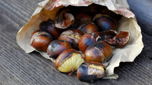 Kremmerhus med kastanjenøtter selges på gatehjørner over hele Spania vintermånedene.