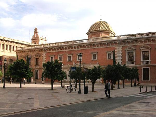 800px-edifici_de_la_nau_des_de_la_placa_del_patriarca_valencia.jpg