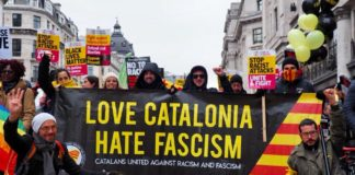 Budskapet om at en løsrivelse fra Spania handlet om en kamp mot fasismen hinter om at ideen om løsrivelse for mange handler om å kjempe den spanske borgerkrigen på nytt. Den gangen vant nasjonalistene og resultatet var Francos fasist-diktatur.