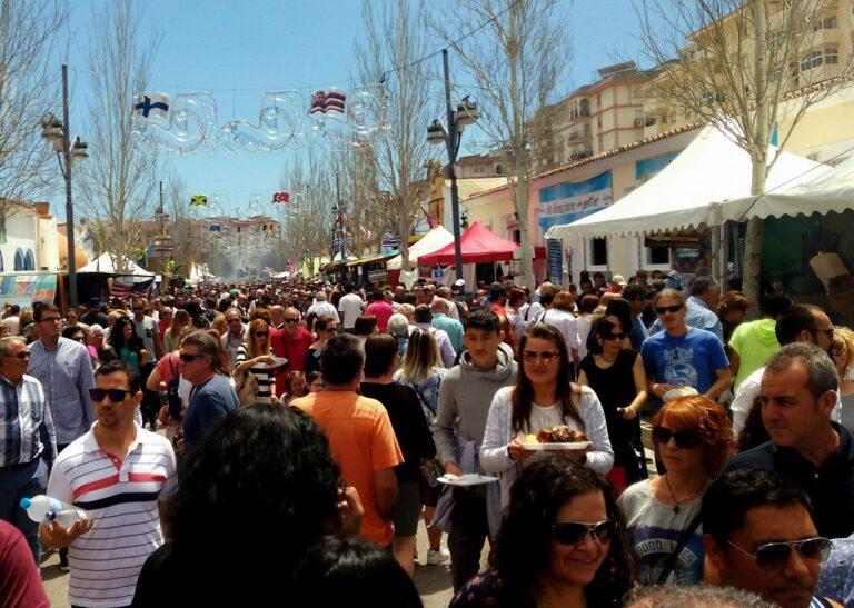Internasjonal vårfest i Fuengirola – Feria internacional de los Pueblos